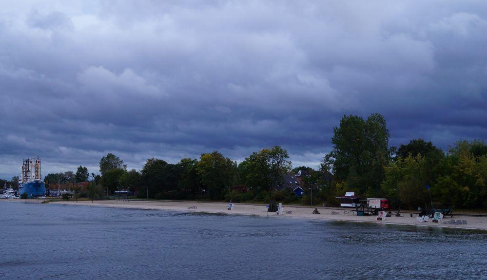 stürmisches Wetter im IGA-Park Rostock zum Laternenfest